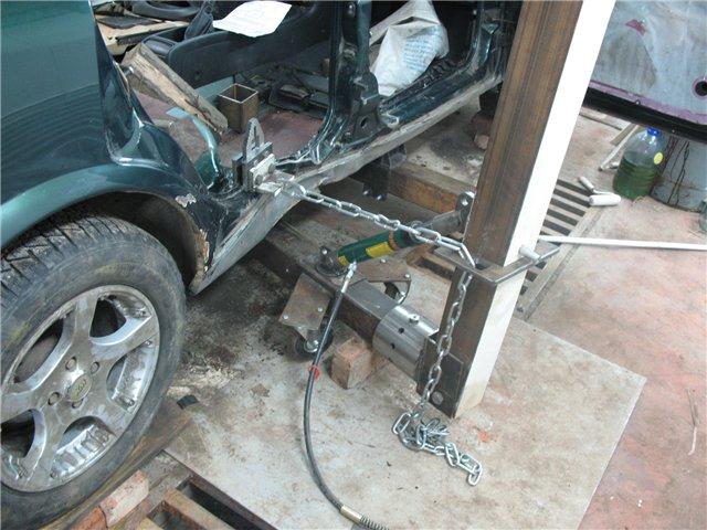Мой стапель для кузовного ремонта ромашковая лужайка))